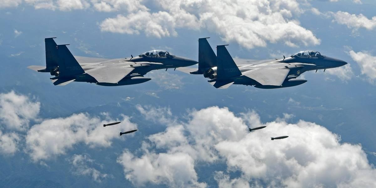"""Cazas y bombarderos de EEUU demuestran su poder de """"disuasión"""" en la cara de Corea del Norte simulando ataque en la frontera"""