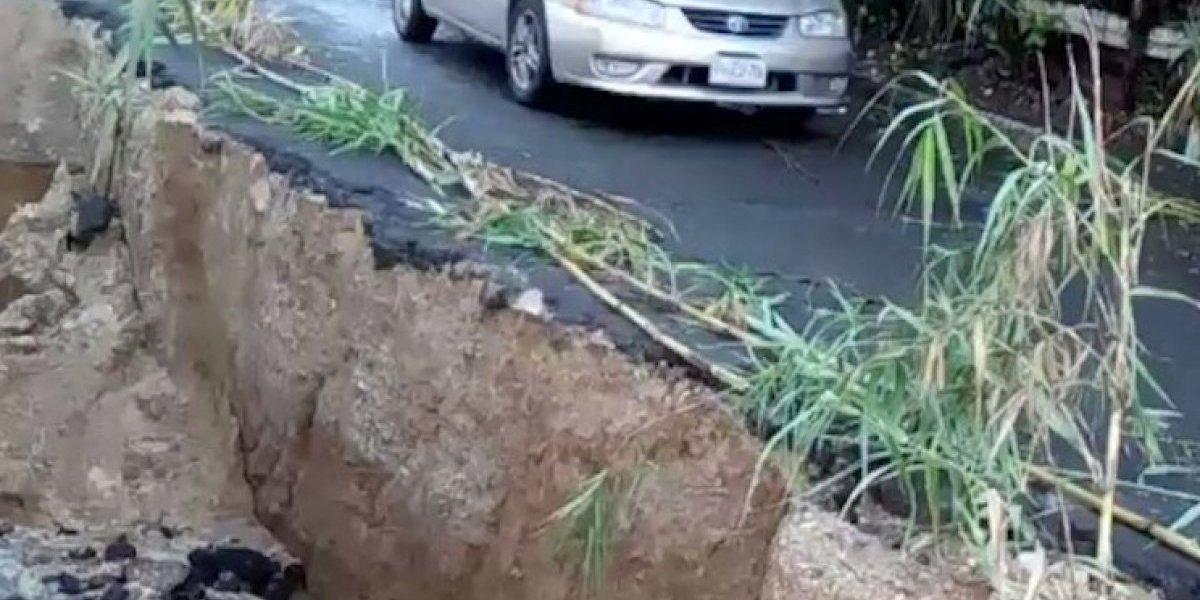 Trabajos por drenajes complican el tránsito en Mixco, descartan hundimiento