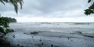 'María' se convierte en huracán y amenaza al Caribe