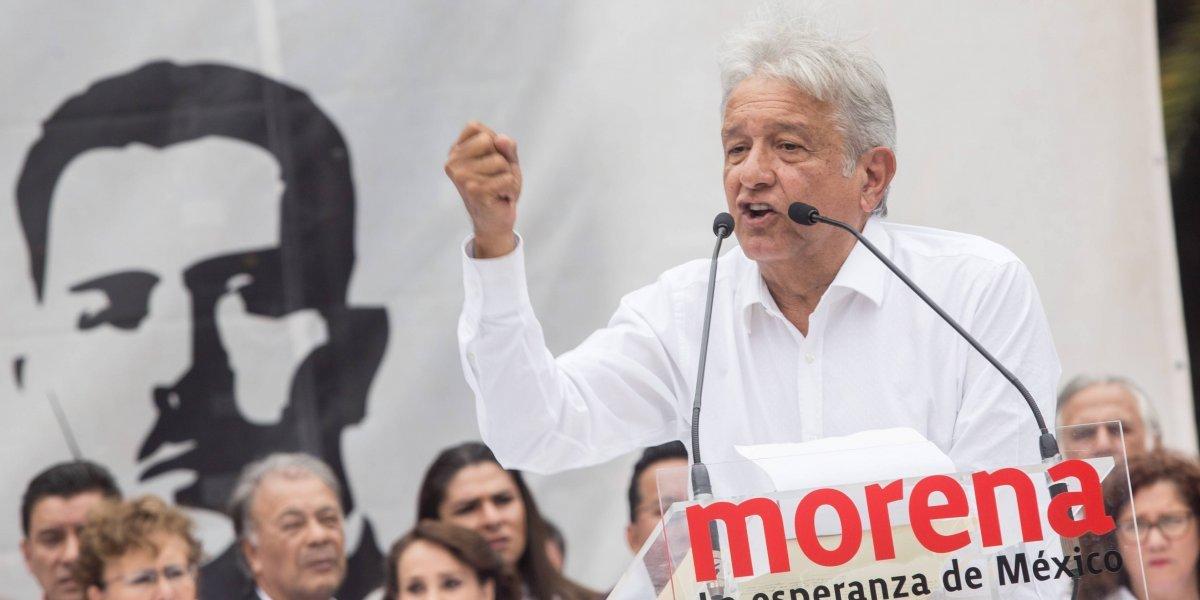 Niega López Obrador planear reunión con Monreal