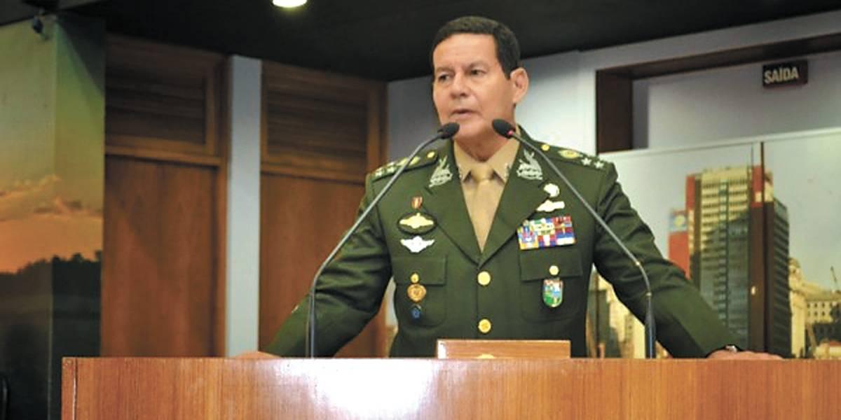 Mourão indica aumento de tempo de serviço para militares, com período de transição