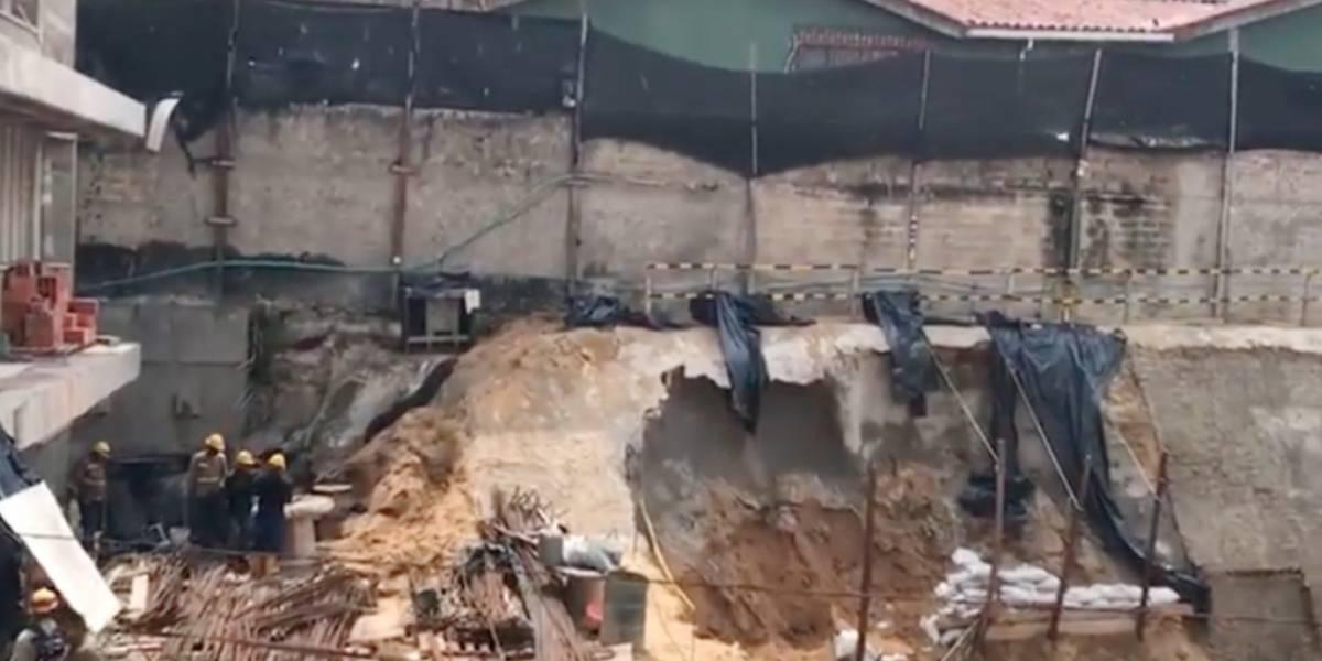Dos obreros quedan atrapados por alud de tierra en construcción al norte de Barranquilla