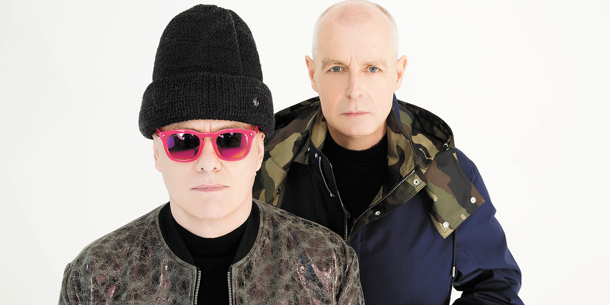 Dupla Pet Shop Boys é assaltada na orla de Copacabana