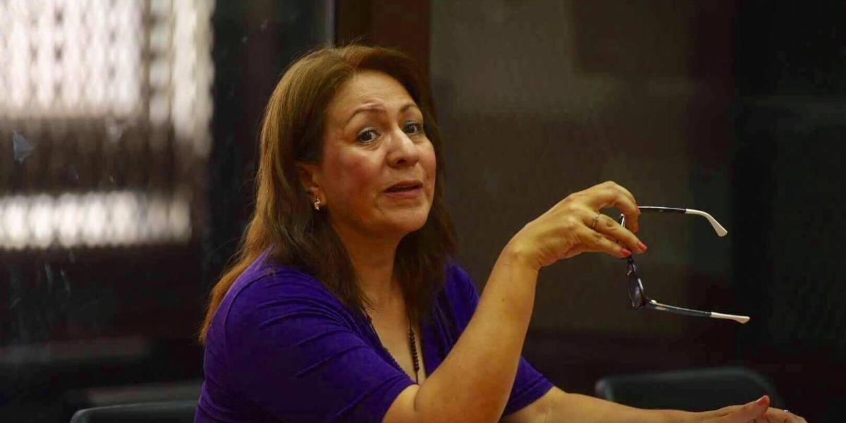 Exdirectora de la PNC habla sobre si su hermano, el diputado Blanco, debe renunciar