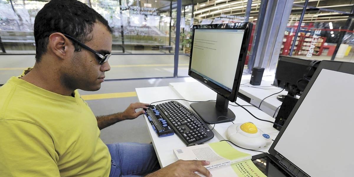Estado de São Paulo tem 62 bibliotecas acessíveis a deficientes visuais