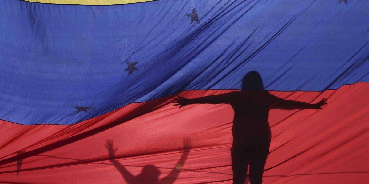 Oposición en Venezuela acusa al gobierno de Maduro por muerte de detenido