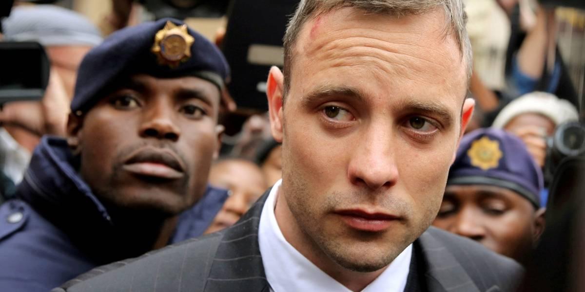 Suprema Corte dobra pena de Pistorius por matar namorada