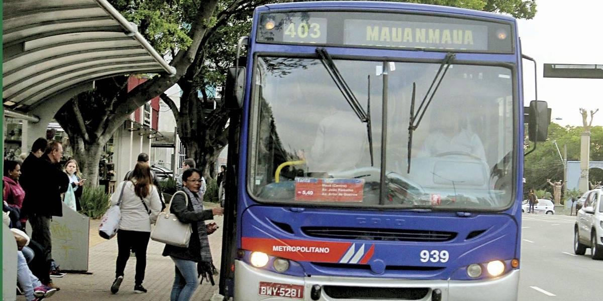 Orientação é priorizar ônibus intermunicipais em horários de pico, diz EMTU
