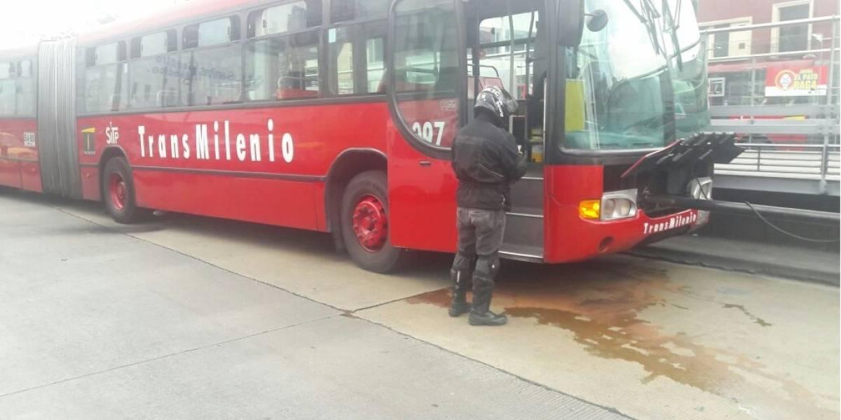 Vuelve y juega, otro TransMilenio se varó en la Caracas con calle 45