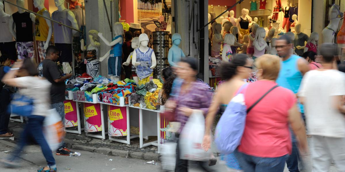 Brasil abre 76.599 vagas formais em outubro, diz Caged