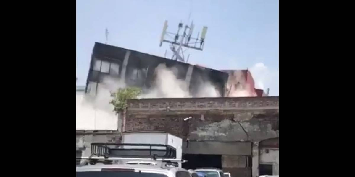 VIDEO. Edificio se desploma tras terremoto en México