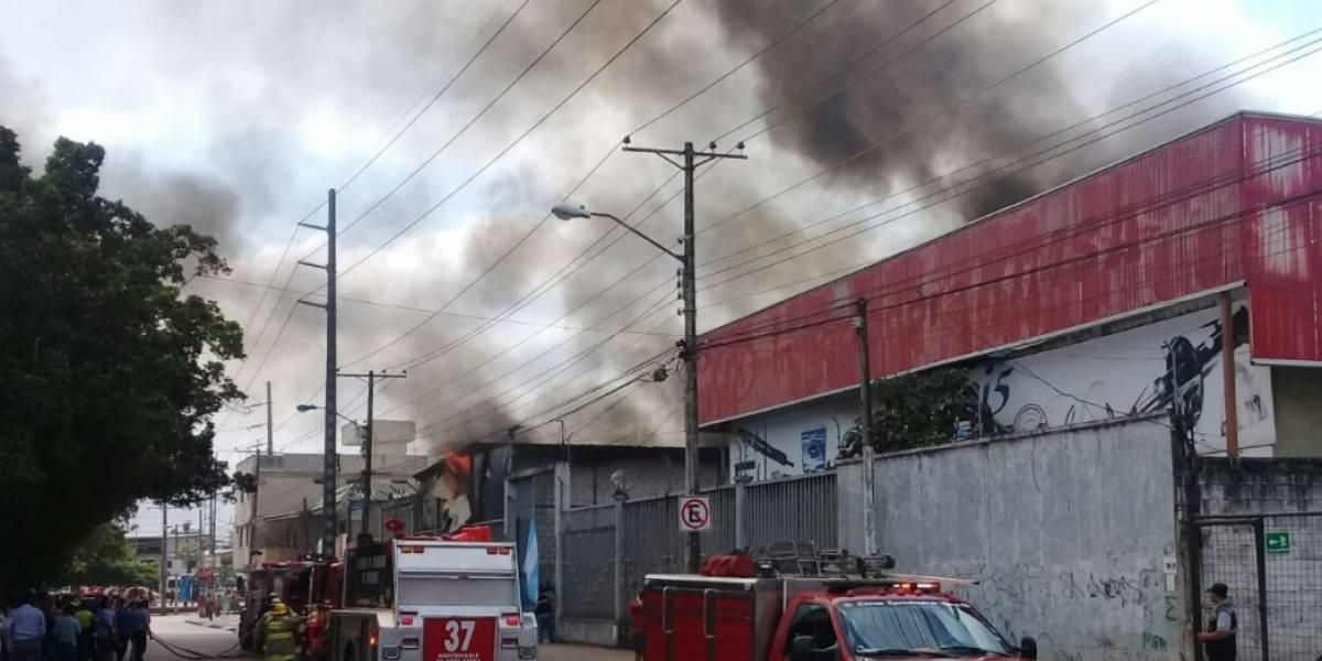Reportan incendio en el norte de Guayaquil