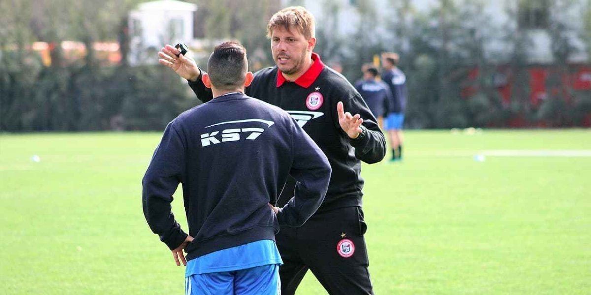 San Felipe sigue con la moda de los técnicos jóvenes argentinos