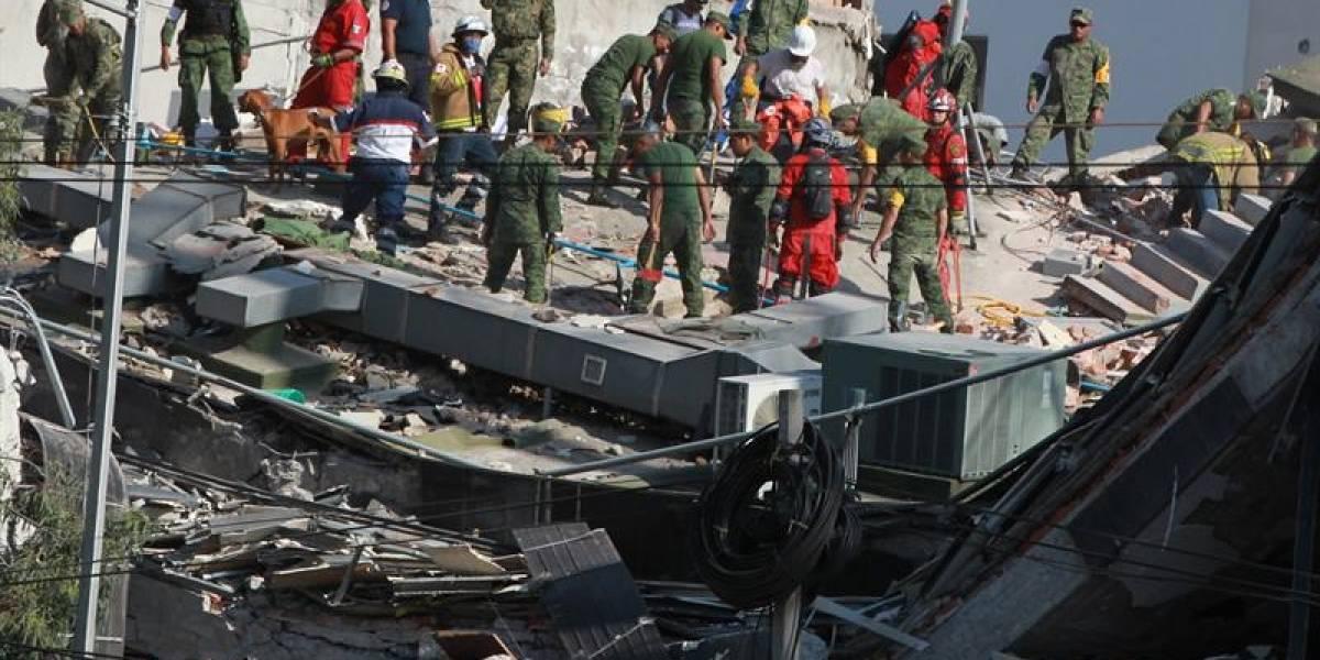 Mueren 21 niños en escuela que se cayó tras el terremoto de México
