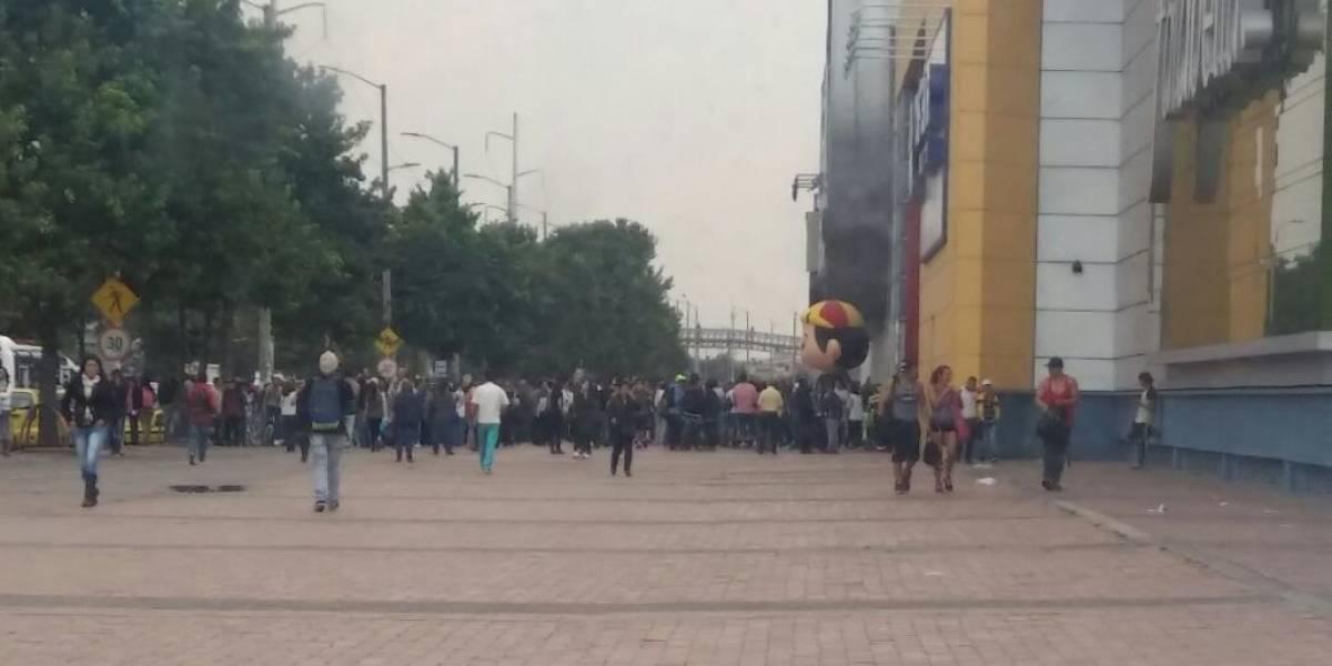 Hombre simuló carga explosiva para robar un banco en el centro comercial Plaza Imperial