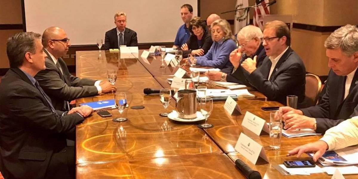 Comisión Bipartidista para la Democracia del Congreso de EE. UU. visita el país