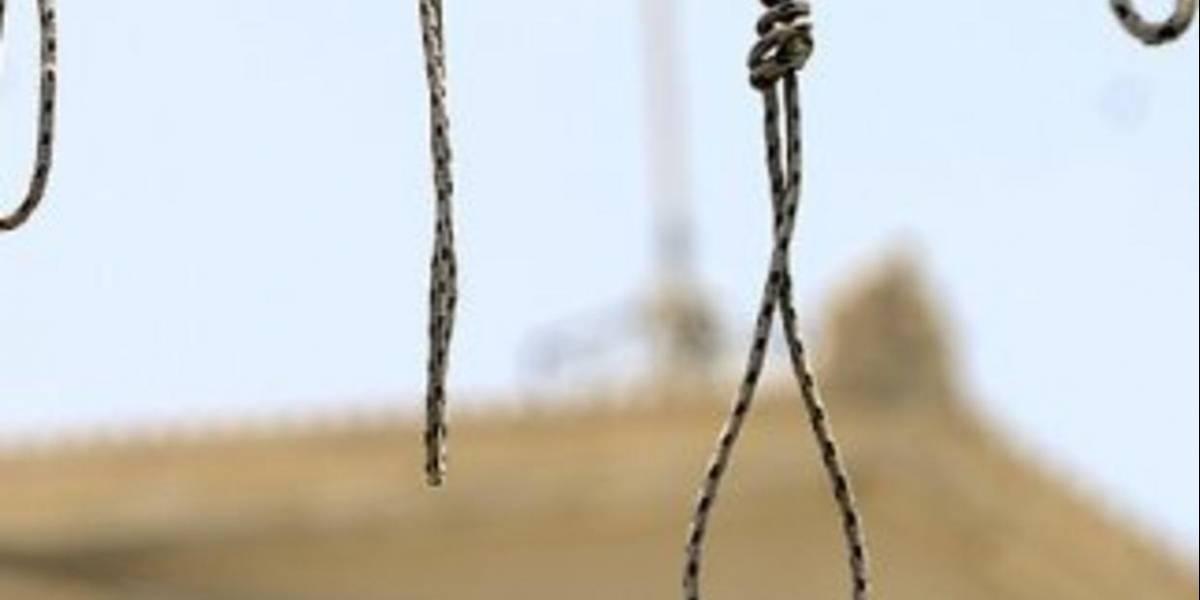 Crudo castigo público: ahorcan ante cientos de personas a sujeto que violó y asesinó a una niña