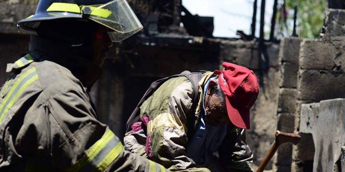 Fuego consume cinco viviendas en zona 16