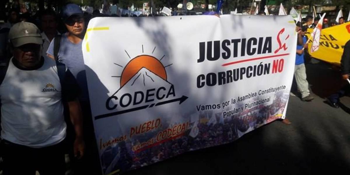 Miles de personas recorren la capital en rechazo a la corrupción e impunidad
