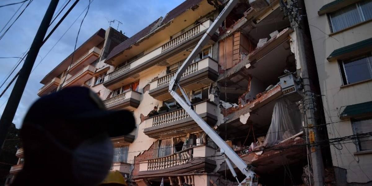 """""""Que lo maten"""": sujeto intenta abusar de niña en medio de rescate de víctimas del terremoto de México"""