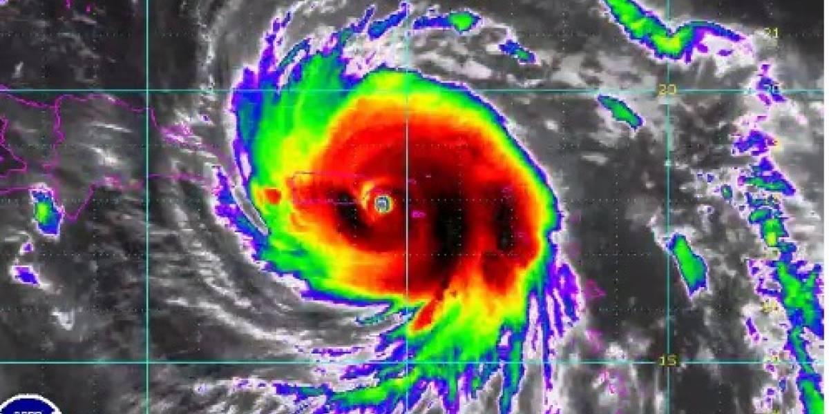 Potente huracán María a punto de tocar suelo boricua