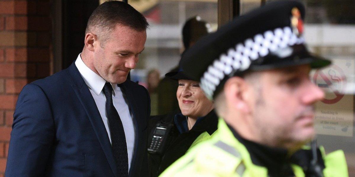 Rooney recibe un duro castigo económico pero perderá algo más que dinero