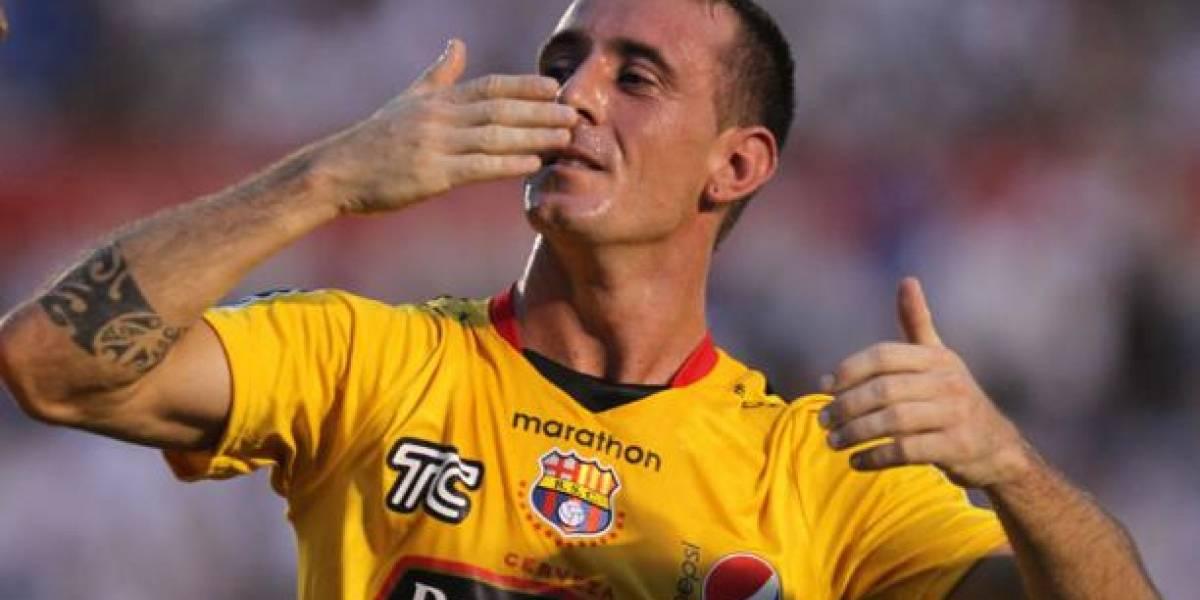 Damián Díaz y su 'galleta' a un jugador de Santos