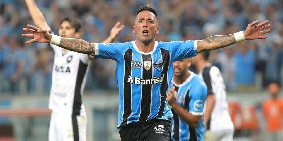Lucas Barrios fue el verdugo de Leo Valencia en la Libertadores