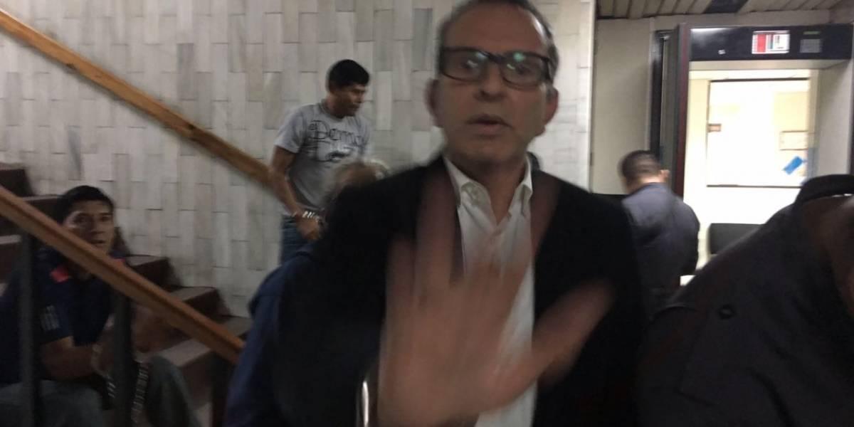 VIDEO. Sindicado del caso Chinautla intenta que no lo fotografíen