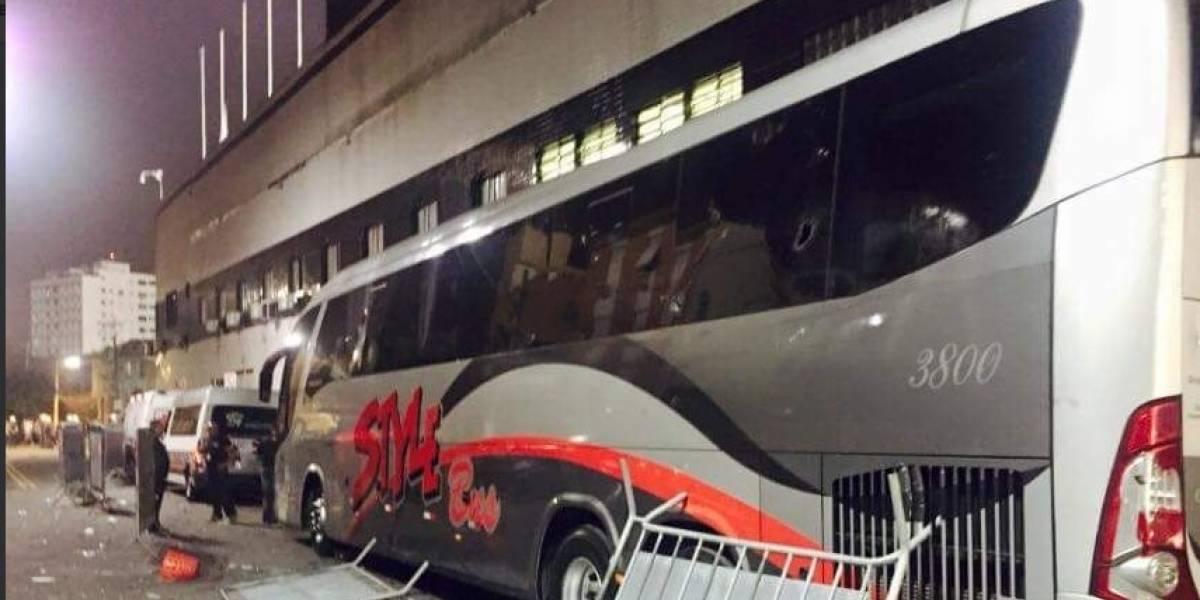 Hinchas brasileños atacaron el bus del Santos
