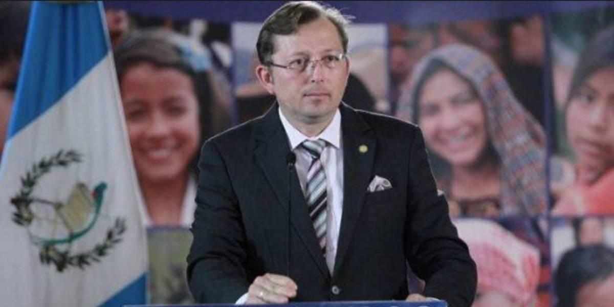 """Hiemann: """"El Presidente aún no ha aceptado renuncia de ministros"""""""