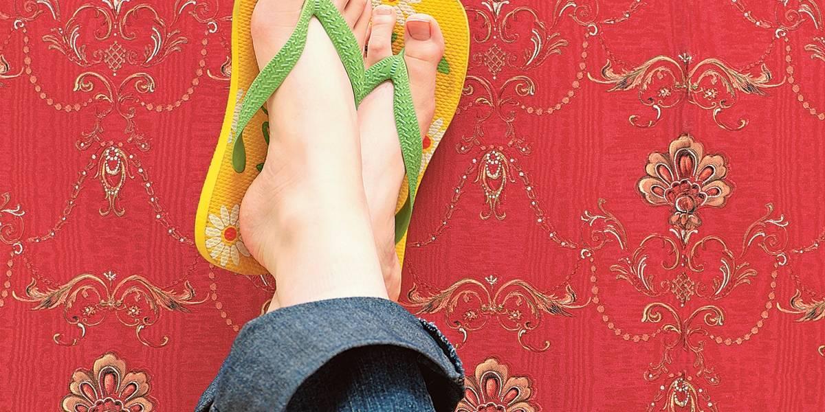 Saiba como escolher o chinelo ideal para os seus pés