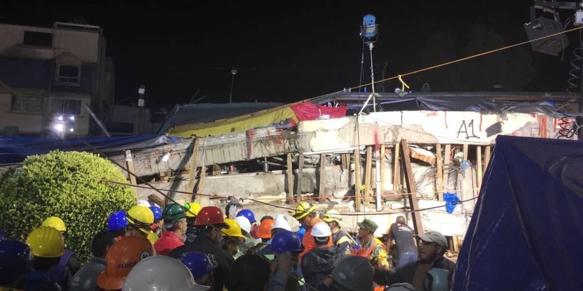 Rescatan cuerpo atrapado del colegio Rébsamen tras más de 20 horas de labores