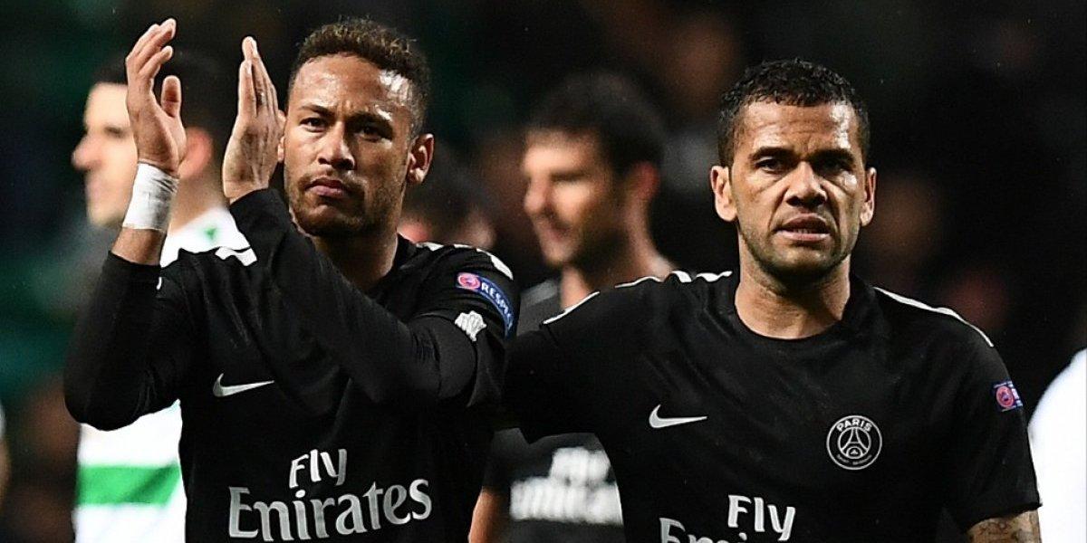 Dani Alves se molesta por pleito Cavani-Neymar y estalla con furiosa respuesta