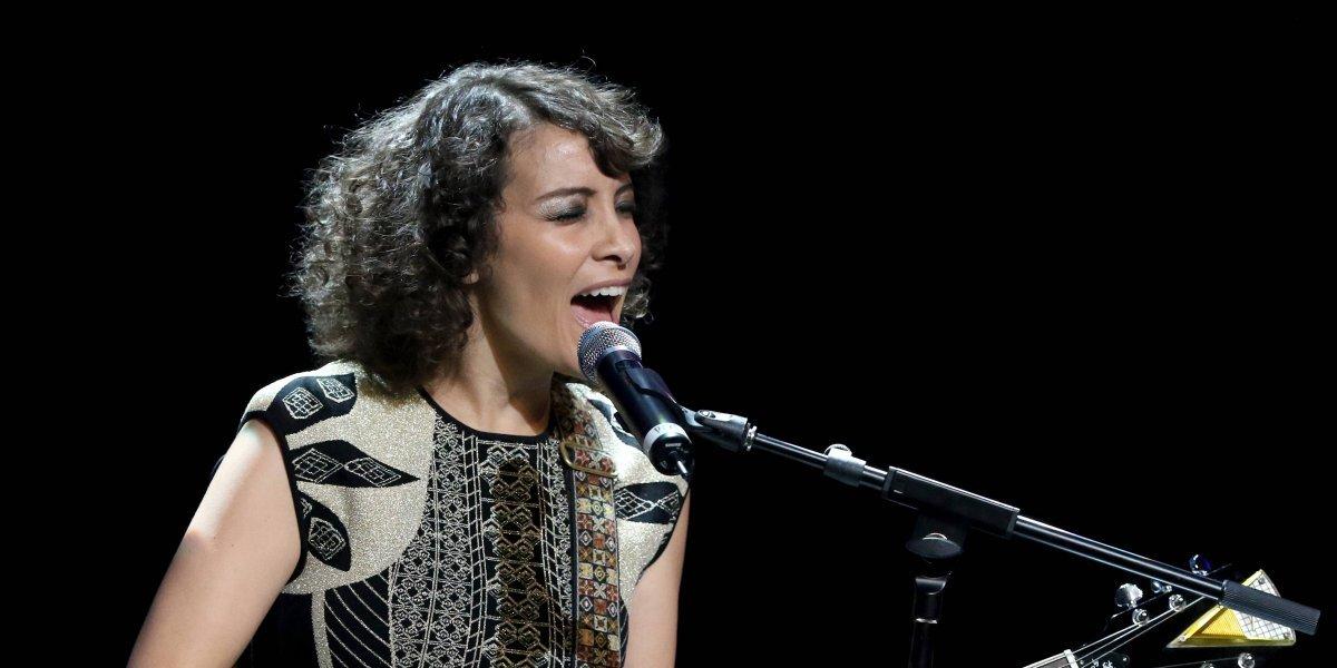 """""""En espíritu"""", Gaby Moreno se une al #ParoNacional del #20S"""