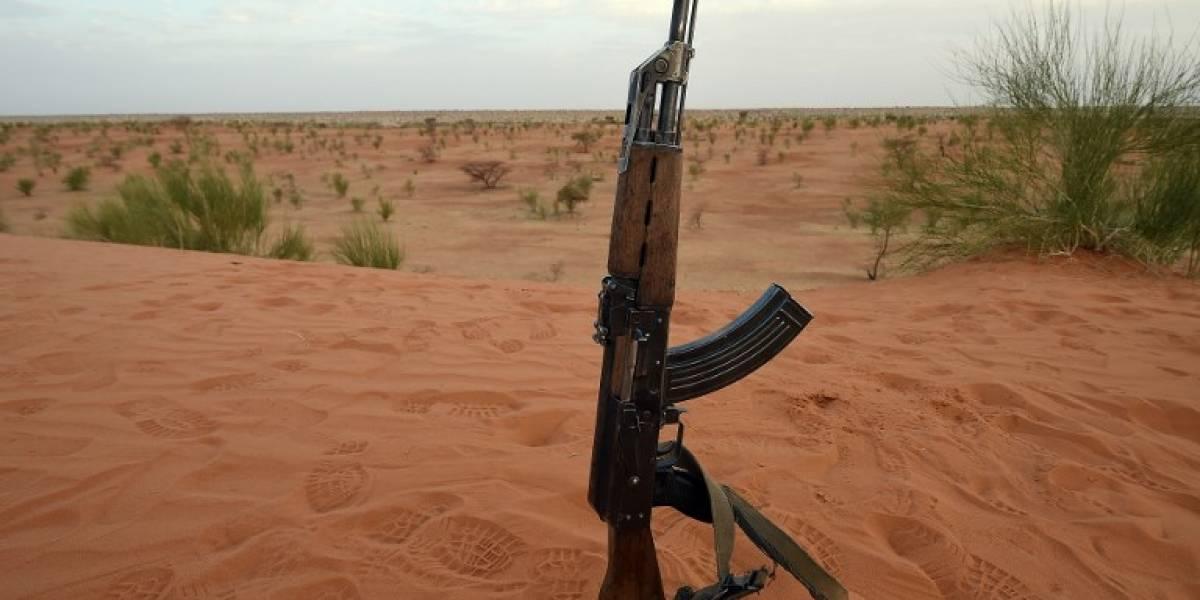 Rusia erige monumento a Mijaíl Kalashnikov, inventor de fusil AK-47