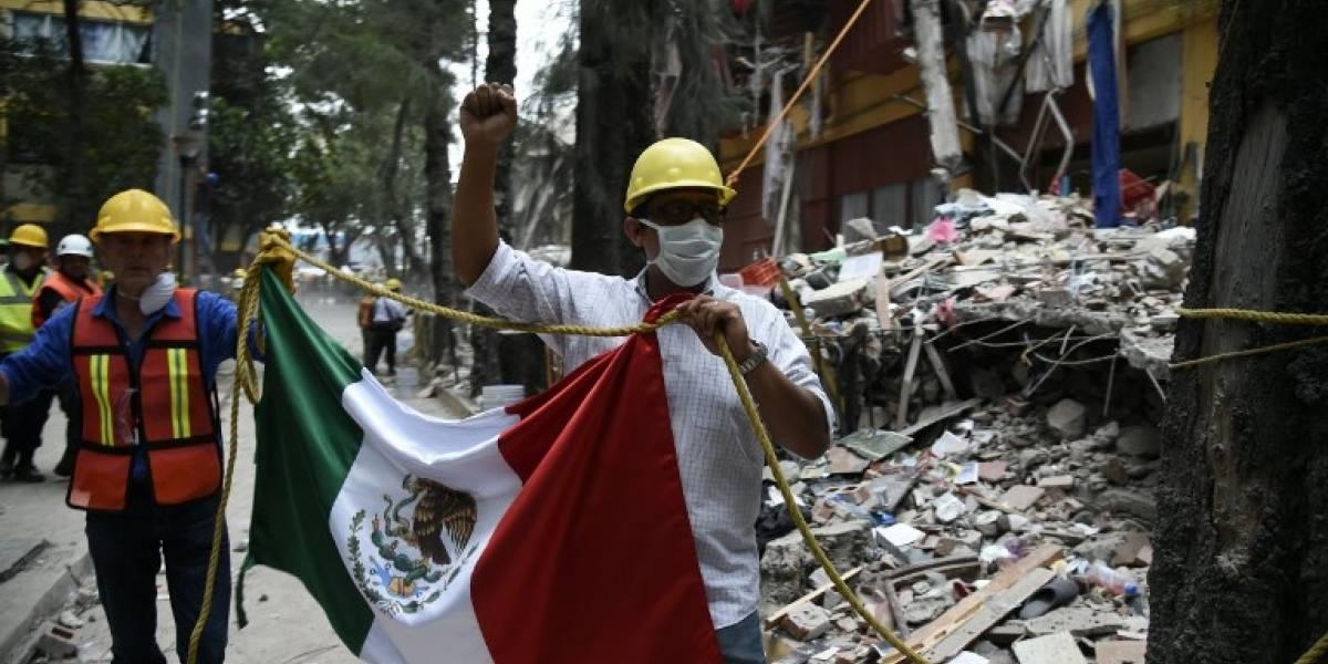 México: Rescates avanzan lentamente y contra el reloj