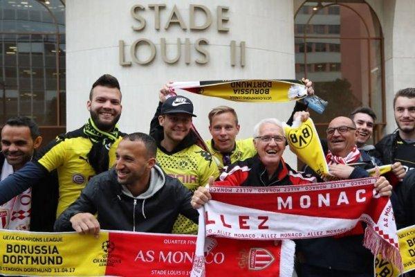 La campaña de los hinchas del Dortmund para alojar a sus pares del Mónaco les valió ser nominados al The Best 2017 / Foto: AFP