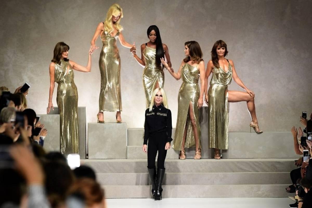 Supermodelos de los 90 se reúnen para rendirle homenaje a Versace