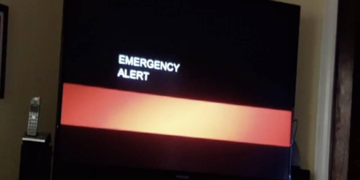"""VIDEO. Un anuncio sobre la llegada del """"fin del mundo"""" interrumpe una emisión televisiva"""
