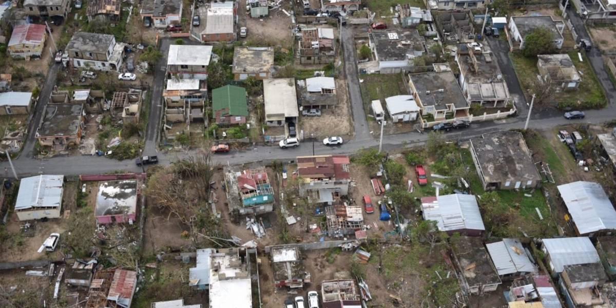 Ricardo Rossello sobrevuela la isla junto al gobernador de Nueva York