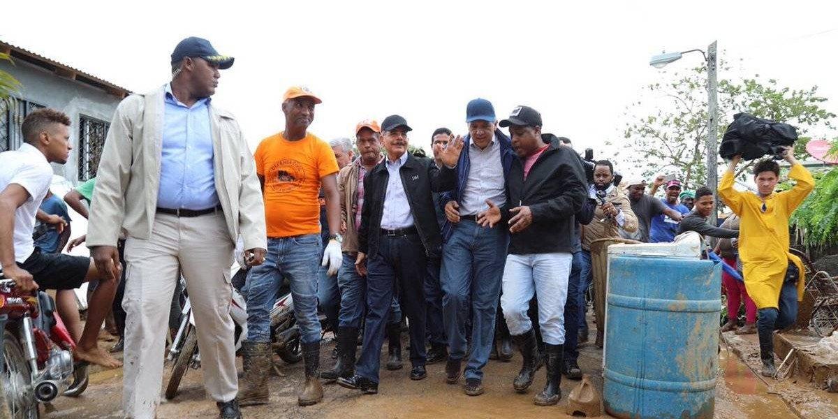 Danilo Medina visita zonas afectadas por huracán María