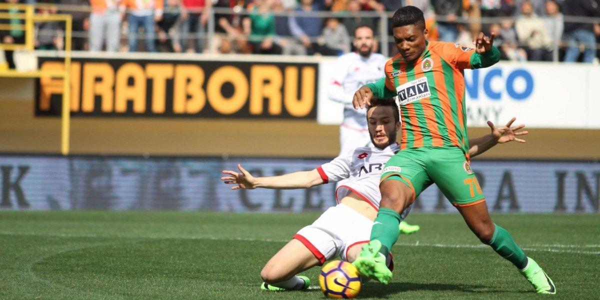 Golazo de Junior Fernandes comandó la tremenda remontada del Alanyaspor en Turquía