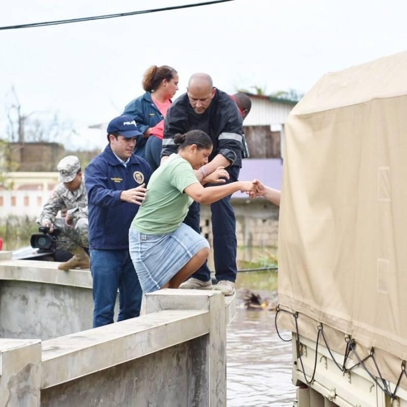 Evacuan a 70 mil por riesgo en presa de Puerto Rico