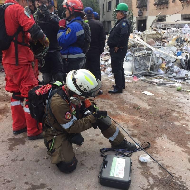 Bomberos Bomberos de Ecuador en México