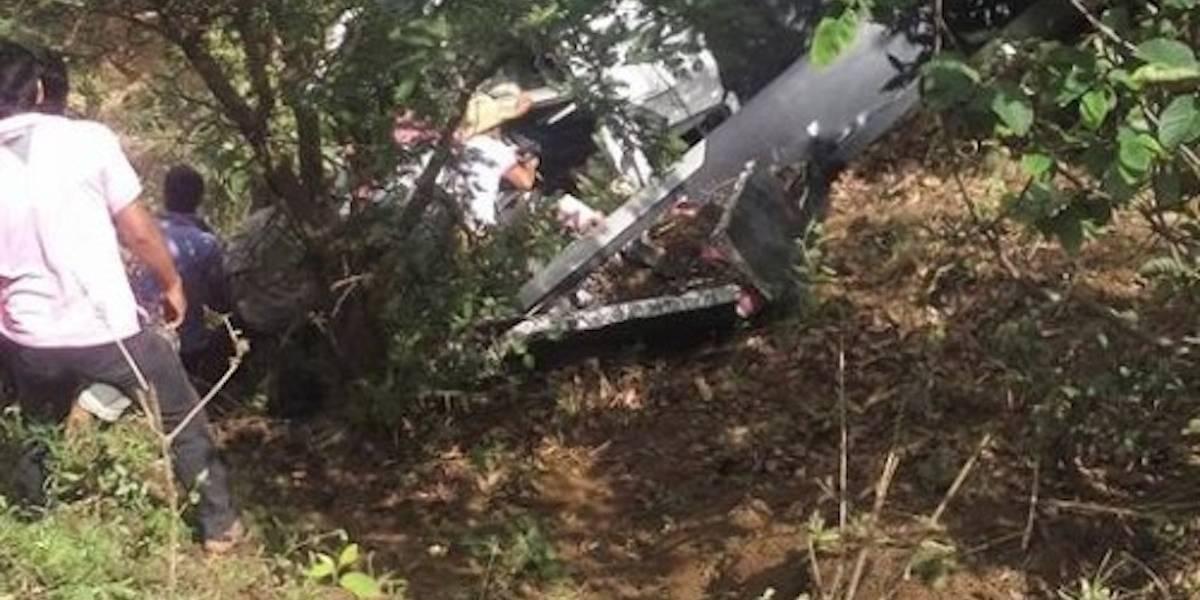 Helicóptero que llevaba víveres se desploma en Oaxaca