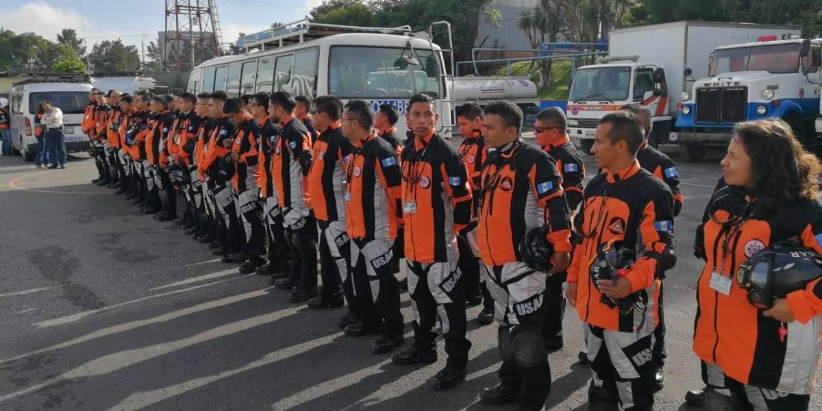 Equipo de rescatistas guatemaltecos regresa al país por decisión de México