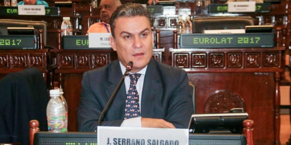 Serrano: Vicepresidente debe dar un paso al costado