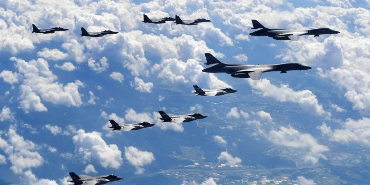 """Tensión extrema: Bombarderos de EEUU hacen """"demostración de fuerza"""" y vuelan cerca de Corea del Norte"""