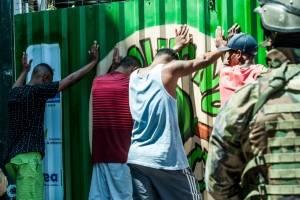 https://www.metrojornal.com.br/foco/2017/09/23/rocinha-mais-tiroteios-sabado-exercito-ocupacao.html